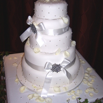 /uploads/cakes/1113/darriel-wedding-results-retina.jpg